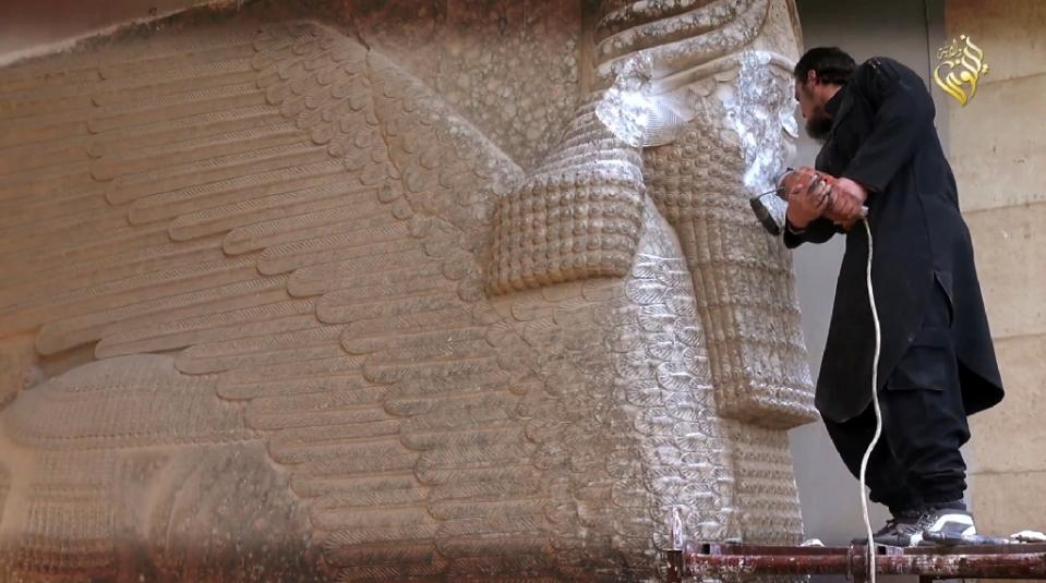 ISIS destroying history it doesn't like.