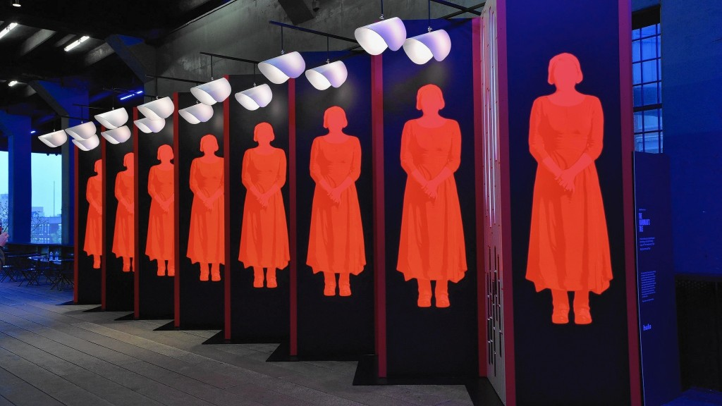 ct-handmaids-tale-feminists-hysteria-perspec-0428-jm-20170427[1]